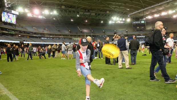 Article image for Kick to kick on the cards after every Sunday AFL match at Etihad in 2017