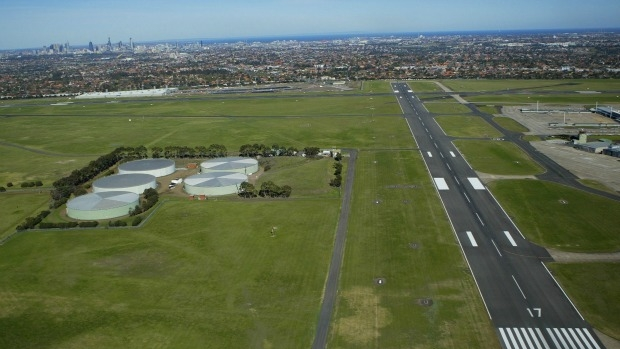 Article image for Investigations begin into Essendon plane crash which claimed five lives