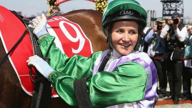 Article image for Michelle Payne wins the Don Award as Australia's most inspiring athlete