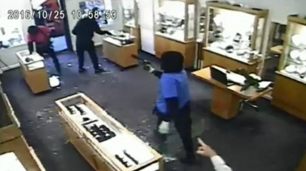Article image for Toorak jewellery store the target of brazen armed robbery