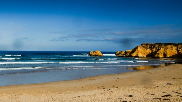 Article image for Man found dead at Torquay beach