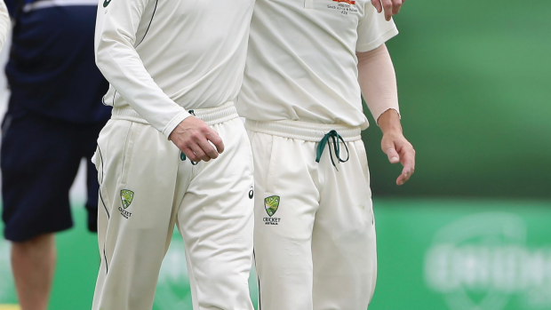 Article image for Hussey defends Steve Smith's decision not to enforce the follow-on in Brisbane