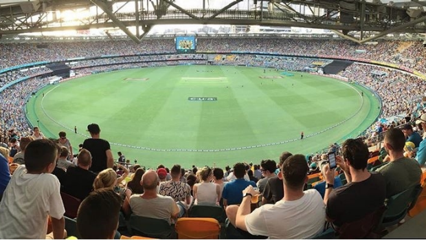 Article image for BLOG: KFC BBL06: Brisbane Heat v Hobart Hurricanes at the GABBA