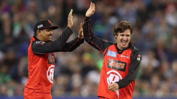 Article image for Brad Hogg not expecting national call-up, full of praise for Melbourne cricket fans