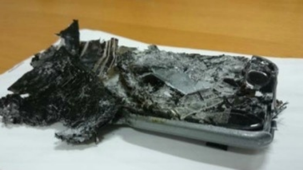 Article image for Ross and John find out more about phones exploding into flames on planes