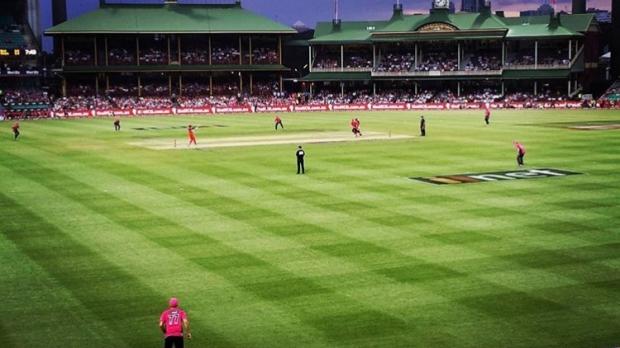 Article image for BLOG: KFC BBL06: Sydney Sixers v Melbourne Renegades at the SCG