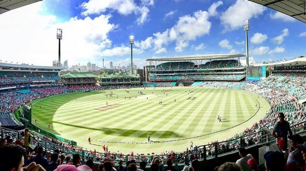 Article image for BLOG: KFC BBL06: Sydney Sixers v Sydney Thunder at the SCG
