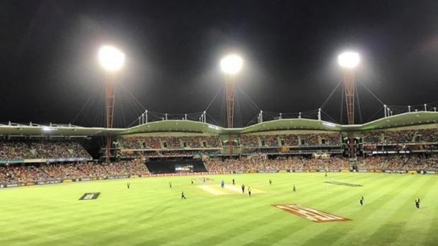 Article image for BLOG: KFC BBL06: Sydney Thunder v Adelaide Strikers at Spotless Stadium