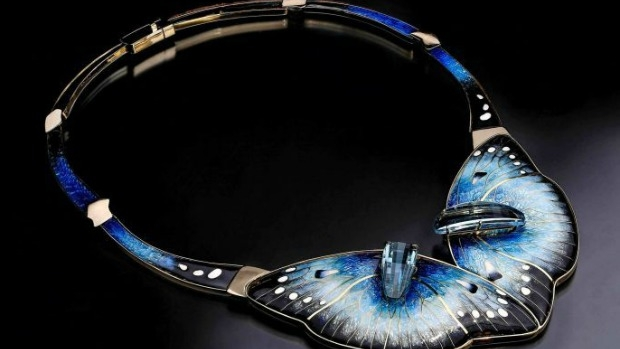 Article image for Enamel jeweller Debbie Sheezel shares her craft with Denis Walter