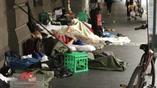 Article image for Neil Mitchell speaks with homeless woman sleeping outside Flinders Street Station