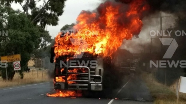 Article image for Massive truck fire on Craigieburn Road