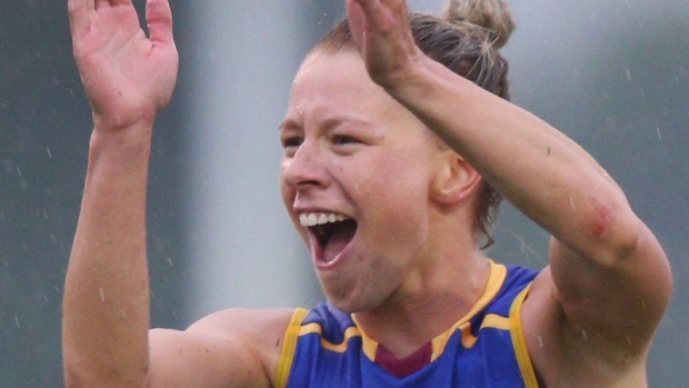 Article image for Kate McCarthy kicks Goal of the Year contender