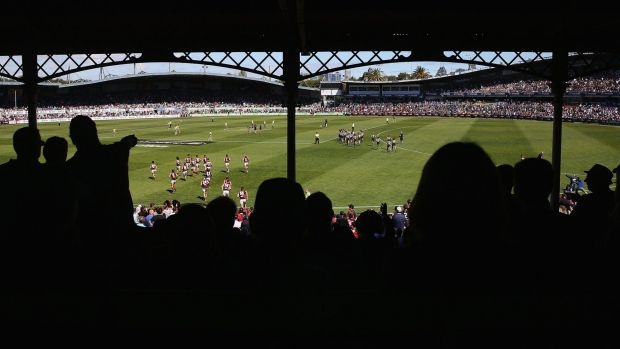 Article image for Carlton great Peter Dean backs push for AFL games to return to Princes Park