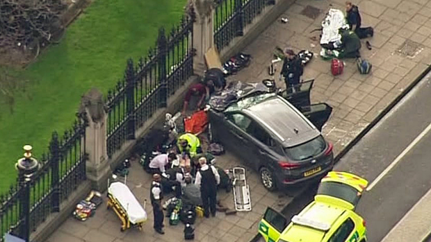 Article image for Several dead following suspected terror attack on Westminster Bridge, London