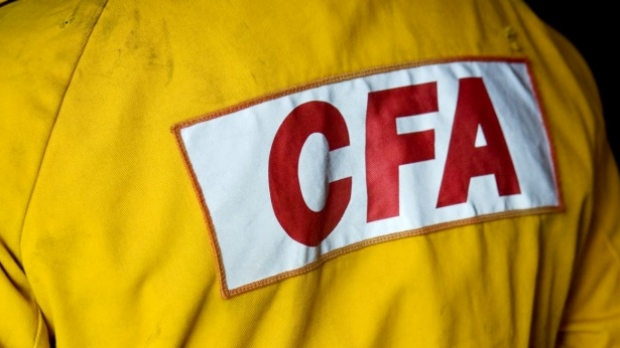 Article image for Volunteer firefighters forced to fundraise for NBN, career brigades funded by government