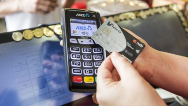 Article image for Police call on the banks to limit the number of tap-and-go transactions per day