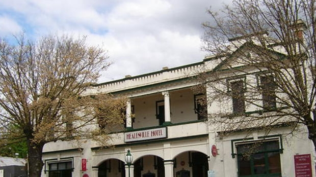 Article image for Pub Of The Week review: Tony Leonard visits the Healesville Hotel