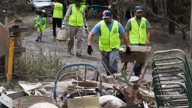 Article image for 20 Victorian personnel to fly to QLD to assist in wake of floods