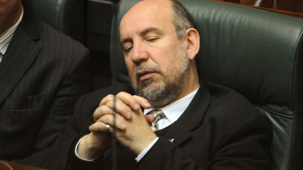 Article image for Neil Mitchell questions whether Don Nardella can be held in cell at state parliament