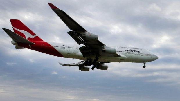 Article image for Investigation into Hong Kong flight that left 15 Qantas passengers injured