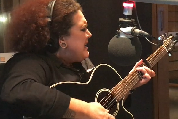 Article image for Casey Donovan performs her new single 'Lonely' for Denis Walter