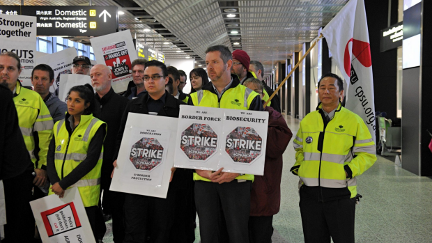 Article image for Public sector union crowdfunds to pay for workers' strike action