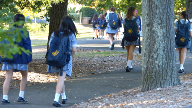 Article image for Fewer kids are walking or cycling to school