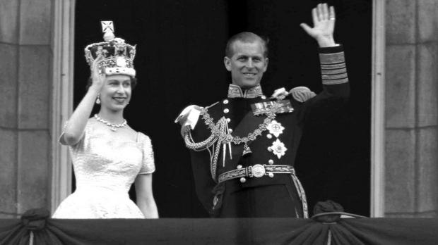 Article image for Queen Elizabeth II breaks reign record
