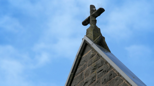 Article image for Victorian government announces hymns should not be sung in state schools