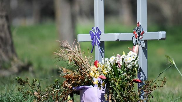 Article image for VicRoads to regulate roadside memorials