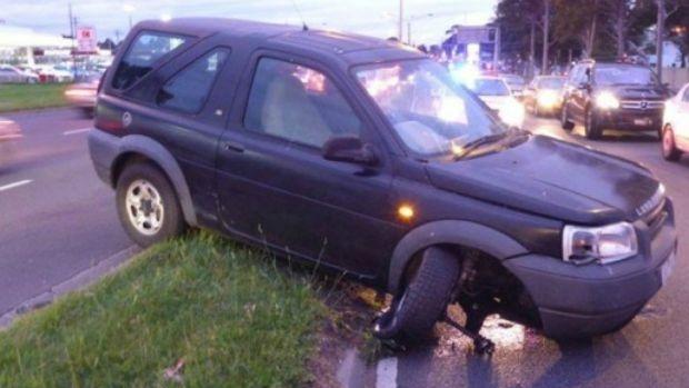 Article image for Car rammed in Glen Waverley road rage incident