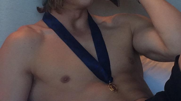 Article image for (Topless) Nat Fyfe gives everyone hope