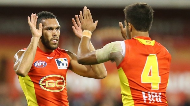 Article image for Dustin Martin gives 'close mate' Harley Bennell 'tour' of Richmond
