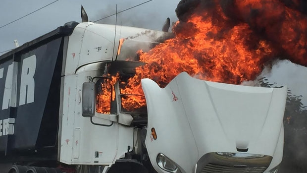 Article image for PHOTOS: Dramatic Laverton North truck fire