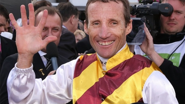 Article image for Damien Oliver labels attack on chief steward Terry Bailey as 'awful'