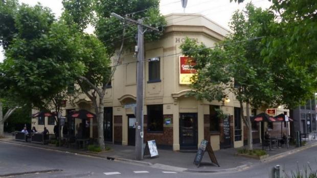 Article image for 3AW's De Bortoli Pub of the Week: Tony Leonard reviews the Rising Sun Hotel, South Melbourne