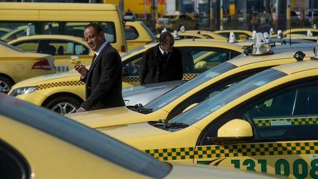 Article image for Ross and John learn taxis change tack in Uber fight
