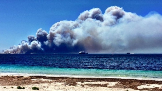 Article image for Four people dead as bushfire burns near Esperance, Western Australia