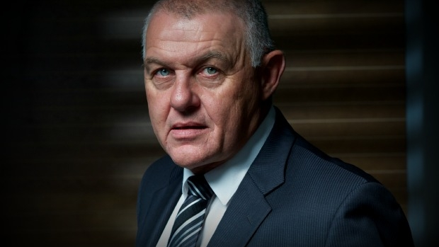 Article image for Ron Iddles backs helicopter plan to combat new police pursuit policy