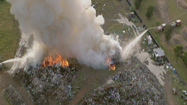 Article image for Hume Highway closed due to fire at Somerton recycling site