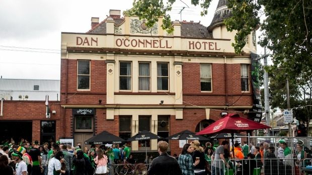Article image for 3AW's De Bortoli Pub of the Week: Tony Leonard reviews the Dan O'Connell Hotel, Carlton