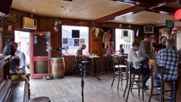 Article image for 3AW's De Bortoli Pub Of The Week: Tony Leonard reviews The Gem, Collingwood