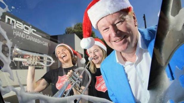 Article image for Denis Walter's Christmas car wash at Magic Hand Carwash, Kew East