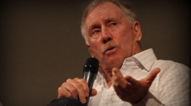 Article image for Ian Chappell goes the extra mile with radio interview on 3AW