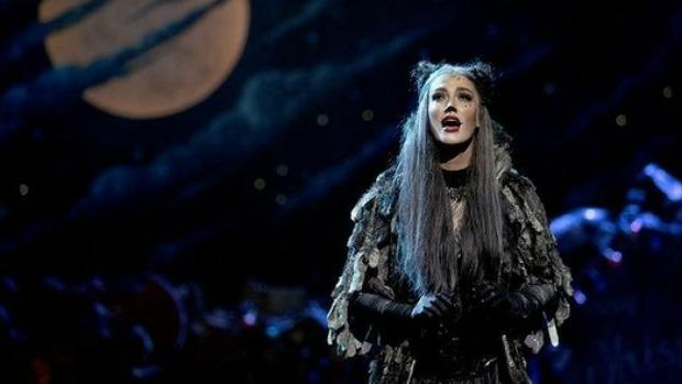 Article image for Darren James defends Delta Goodrem's performance in 'Cats'