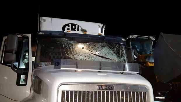 Article image for Rock throwers hit truck