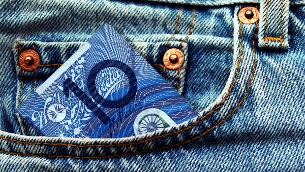 Article image for Should kids have to work for their pocket money?