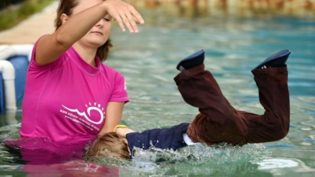 Article image for New swim program throws kids in the deep end