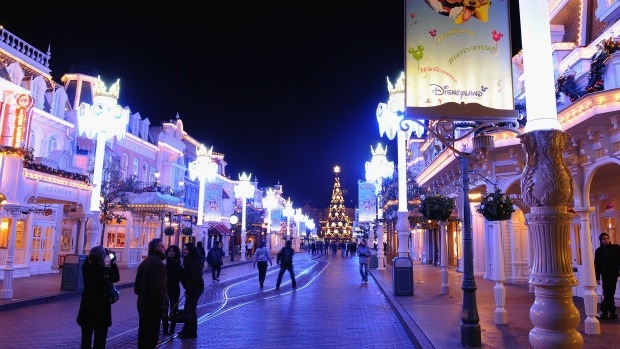 Article image for Man arrested with two guns at Disneyland, Paris