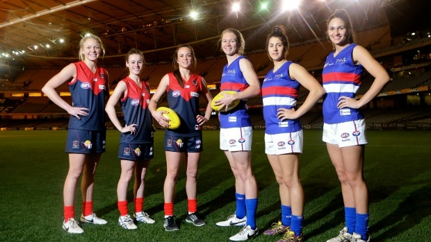 Article image for Collingwood great Tony Shaw says women should be allowed to play in the AFL